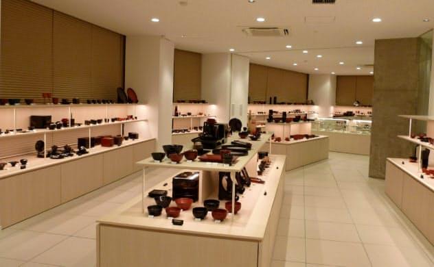 石川県の伝統産業、輪島塗の売り上げにも影響が出ている(石川県内の施設)