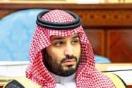 サウジアラビアのムハンマド皇太子は米国のシェールオイル企業の採算悪化も期待する=ロイター