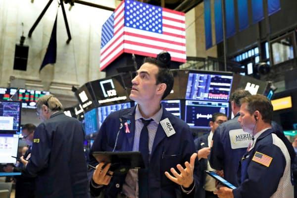 17日のニューヨーク証券取引所=ロイター