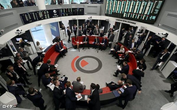 英ロンドン金属取引所(LME)の「リング」と呼ばれる立会場=ロイター