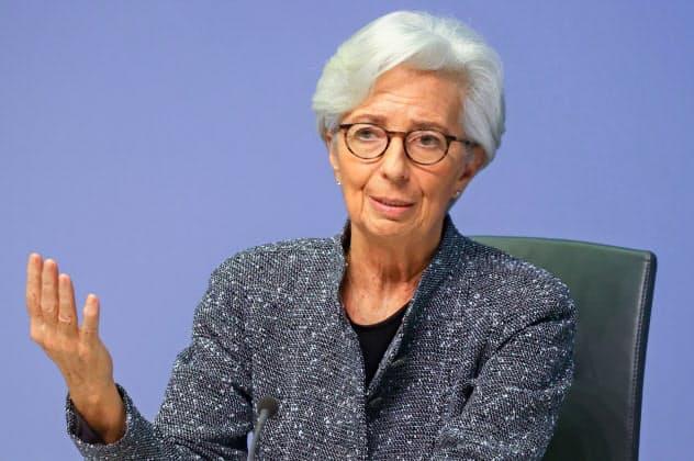 ECBのラガルド総裁は市場の混乱を収められるか(12日、フランクフルト)=ロイター