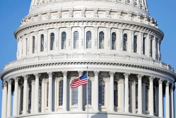 米共和党は民主党と協議し週内に可決を目指す(ワシントンの米議会)=ロイター