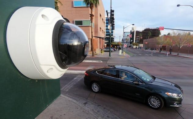 ラスベガス市内に設置されたNTTの監視カメラ(2019年12月、ネバダ州)=目良友樹撮影