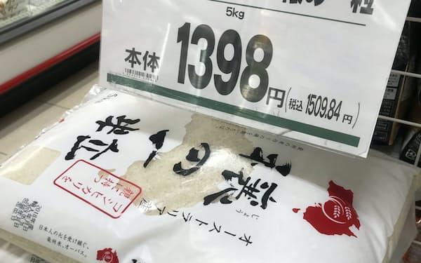 安さを打ち出して販売を伸ばす小売店も(東京都台東区のまいばすけっと仲御徒町店)