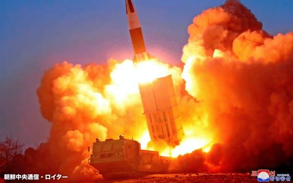 21日に北朝鮮が発射したミサイル=朝鮮中央通信・ロイター