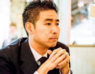 鈴木友也氏