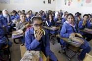 世界食糧計画(WFP)が支援する中東ヨルダンの学校=ロイター