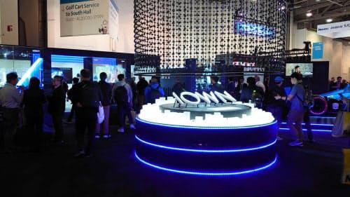 NTTは光半導体など6G時代を見据えた技術開発を進めている(1月、米ラスベガス)