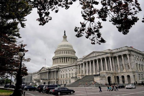 下院も26日をメドに採決して早期の成立を目指す(ワシントンの米議会)=ロイター