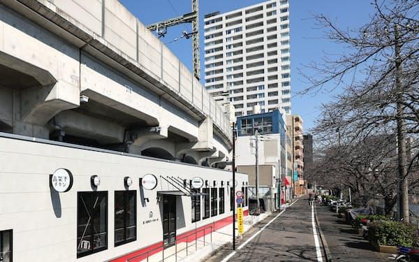 京浜急行電鉄は高架下を生かし、飲食が楽しめる施設を設ける(横浜市)