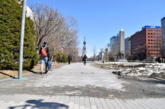札幌市は大通公園を発着点とするマラソンの実施へ作業を続ける(札幌市)
