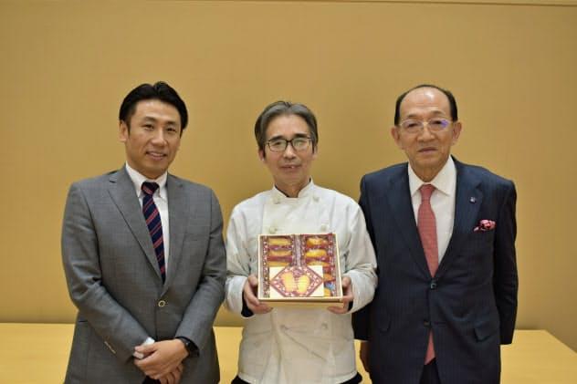 高級菓子を共同開発したシベールの小田切社長(左)、尾関マネージャー(中)、リンベルの東海林社長