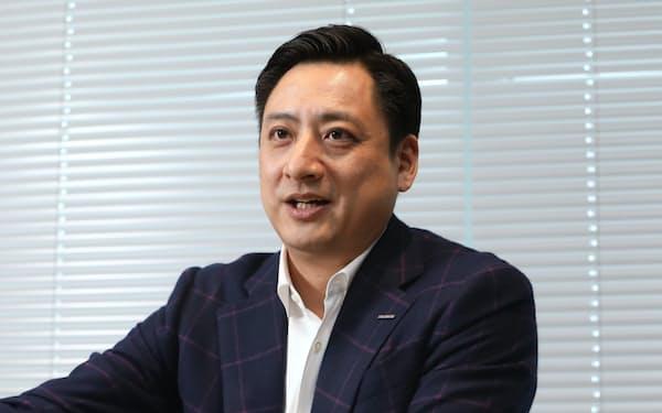 インタビューに応じるコクヨの黒田英邦社長