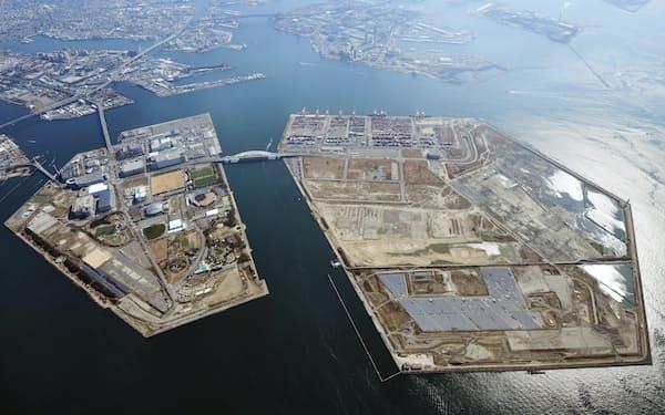 舞洲(左)と夢洲を結ぶ橋の新設は見送りになった