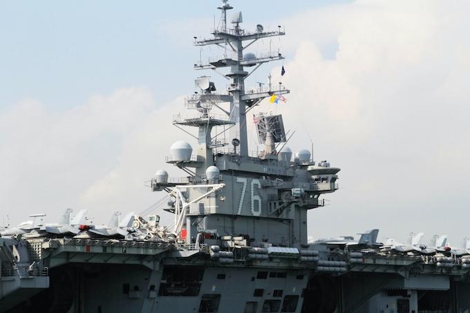 新型コロナ:横須賀の空母でも感染者 米軍、基地封鎖と報道: 日本経済新聞