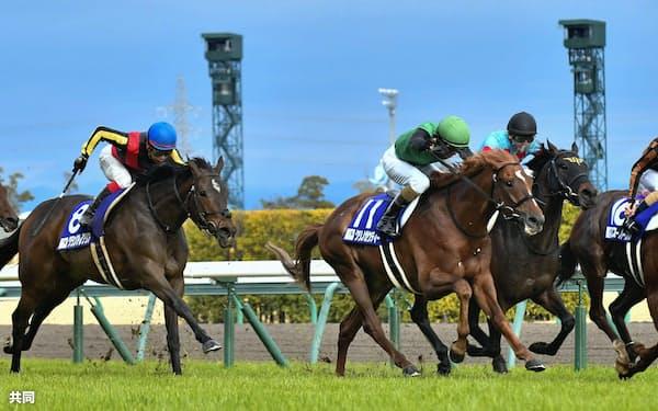 第50回高松宮記念でゴールに向かうモズスーパーフレア=右端(29日、中京競馬場)=共同