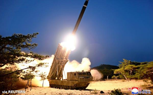 北朝鮮が発射したミサイルとされる写真=朝鮮中央通信・ロイター