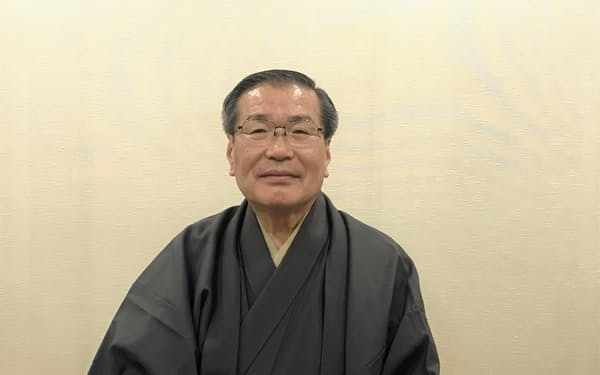 4月文楽公演で「すしやの段」の前を語る竹本錣太夫