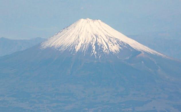 富士山噴火なら7都県で鉄道停止 政府の被害想定