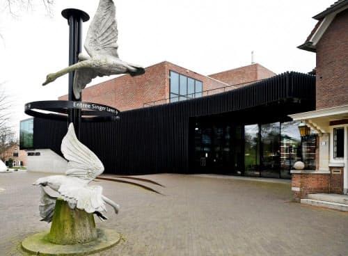ゴッホの絵画が盗まれたオランダ中部ラーレンのシンガー・ラーレン美術館(30日)=ロイター