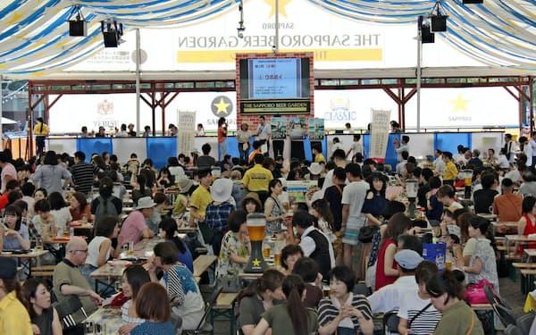 さっぽろ大通ビアガーデンは札幌の夏の風物詩になっている