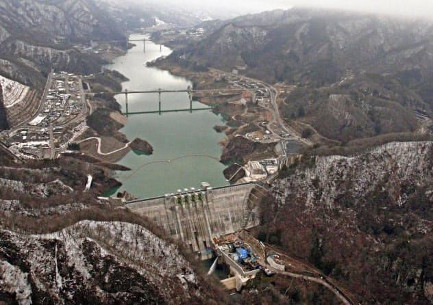 計画発表から68年を経て本格運用を始めた八ツ場ダム(群馬県長野原町)