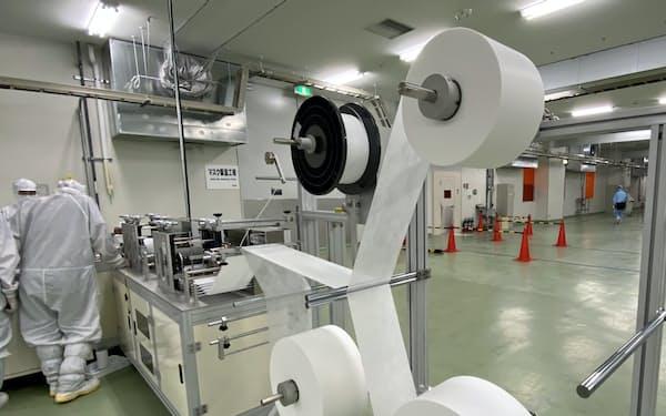 シャープは日本に続き、欧州などでもマスク生産を検討する(三重県多気町)