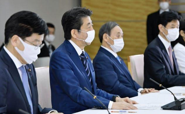 全世帯に布マスク配布へ 首相表明「1億枚確保にメド」