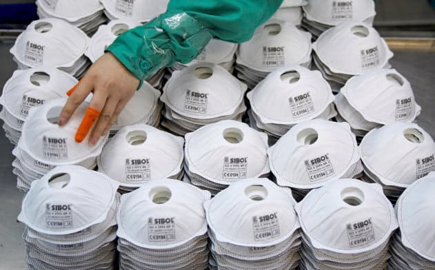 マスクメーカーが規制の不備をついていることが明るみに出たことで、中国製品の質に対する懸念は一段と強まりそうだ=ロイター
