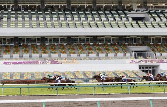 JRA史上初の無観客G1として開催された高松宮記念(中京競馬場)=共同