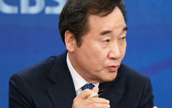 討論会に出席する李洛淵前首相(2日、ソウル)