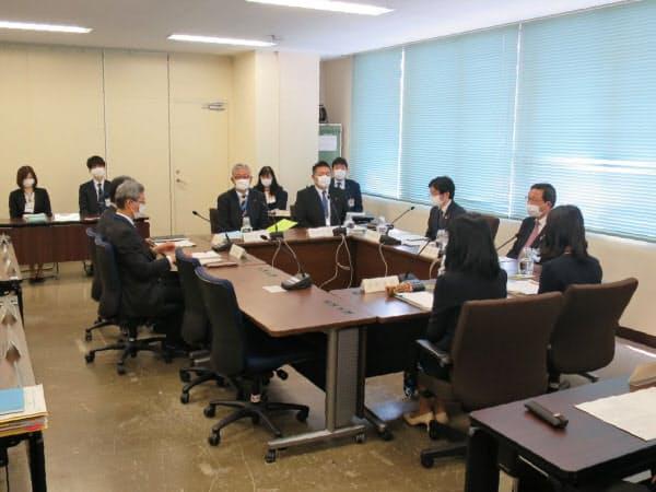 横浜市教育委員会が休校の延長について協議した(3日、横浜市)
