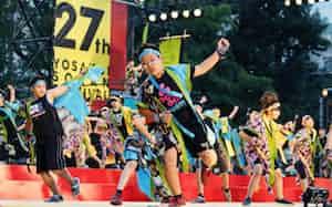 YOSAKOIソーラン祭りは札幌の風物詩(札幌市内)