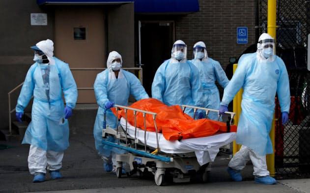 ホワイトハウスは3月31日、死者数が10万~24万人に上ると発表したが、専門家でさえその信頼性を見極められずにいる=ロイター