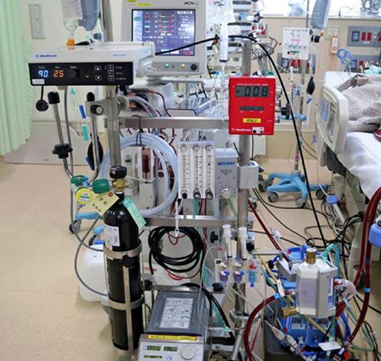 新型コロナ: 新型コロナ治療に「人工肺」 経験豊富な人材少なく: 日本 ...