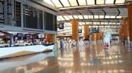 渡航制限で旅客便が減り、閑散とするチャンギのターミナル