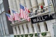 6日の米株式市場は上昇して始まった(米ウォール街)=AP
