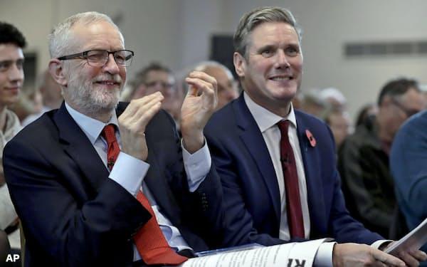 19年の総選挙で大敗を喫した英労働党はコービン氏(左)からスターマー氏に党首を交代した(2019年11月=AP)