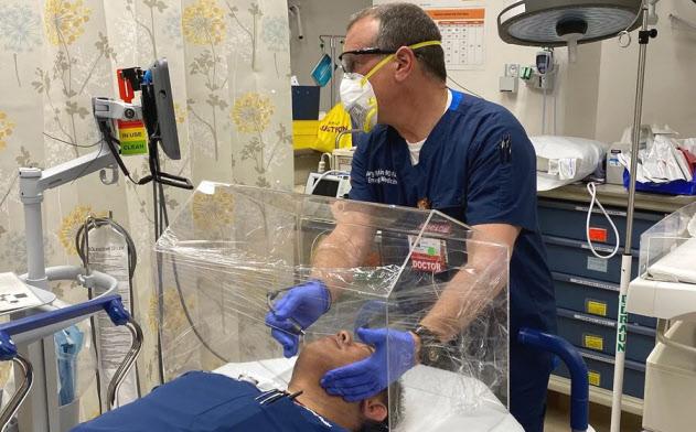 新型コロナウイルスの感染拡大が続くなか、米ベンチャーのセイリアは気管挿管時に使う医療器具の生産を始めた