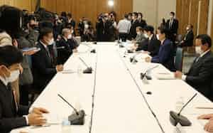 首相官邸で開かれた経済財政諮問会議相(7日)