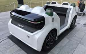 海外製を含め自動運転車の開発競争は激しさを増す(写真は独シェフラーの自動運転車)