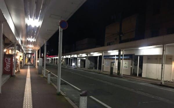 各地の商店街や飲食店街は閑散としている(写真は新潟県内)