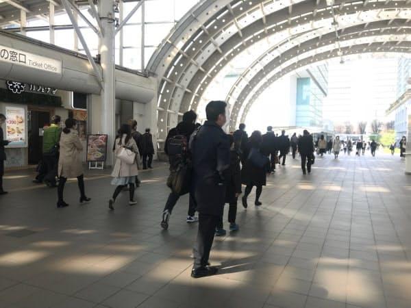 JRさいたま新都心駅前の歩行者デッキ(さいたま市)
