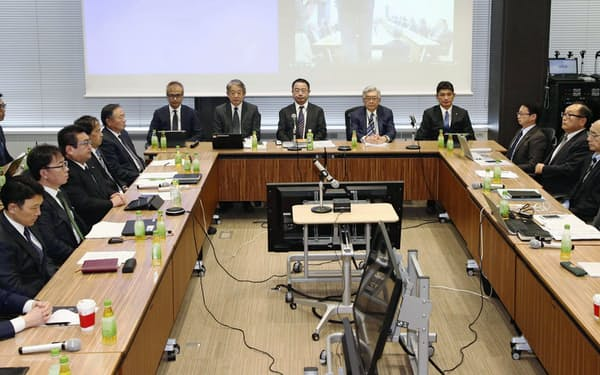 12球団代表者会議の構成メンバーはフロント幹部で、プロの選手経験はない=共同