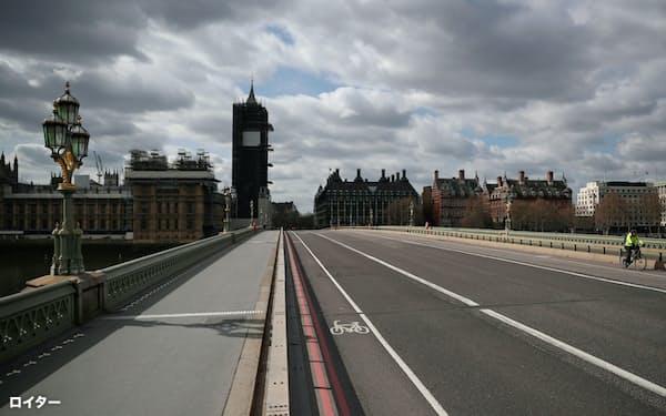 人通りがなくなったロンドン市内=ロイター
