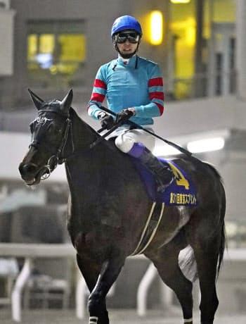 地方競馬の東京スプリントで8着となったヤマニンアンプリメに騎乗した武豊騎手(8日、東京都品川区の大井競馬場)=共同