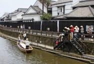 栃木県栃木市の巴波川で運航する遊覧船(同市観光協会提供)=共同