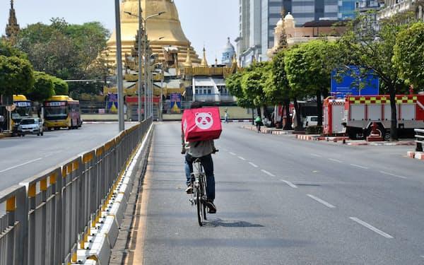 外出自粛要請でヤンゴン市内は閑散としている(10日、ヤンゴン市内中心部)