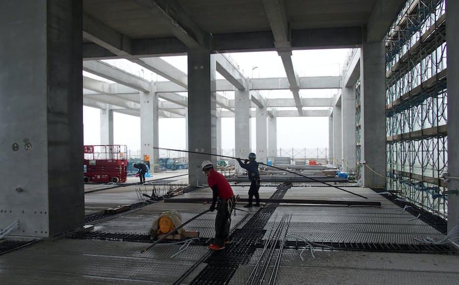 新型コロナで工事一時中断の動き 清水建設やJR東海: 日本経済新聞