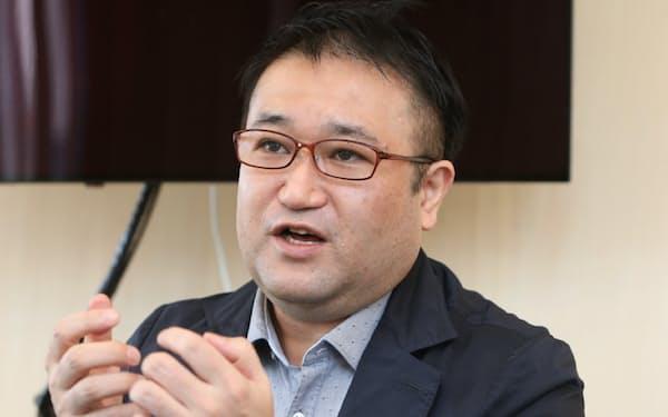 哲学者 東浩紀氏